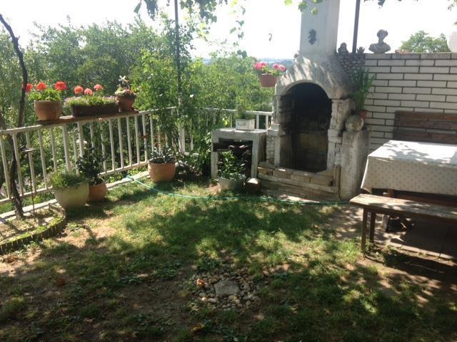Reality Chata so záhradou, Devín, výhľad na hrad!, Exkluzívne iba u nás!
