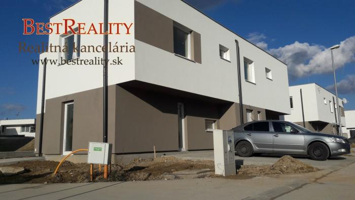 Reality POSLEDNÝ VOĽNÝ 4 izbový dom na predaj NOVOSTAVBA, 2x parkovanie, Ivanka pri Dunaji SKOLAUDOVANÝ