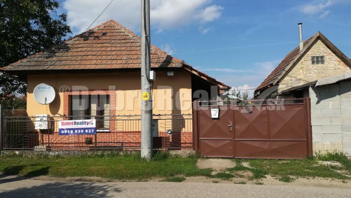 Reality Iba u nás..ponúka 2izb RD v obci Bešeňov.