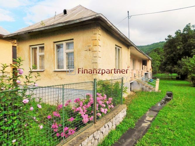 Reality EXKLUZÍVNE - LEN U NÁS - Domček s rozľahlým pozemkom v Brekove