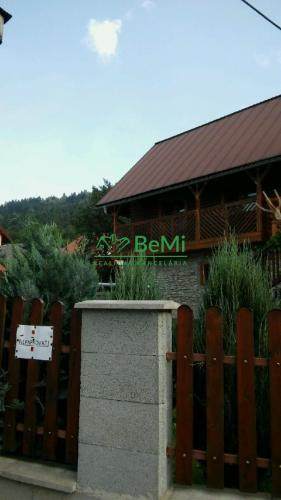 Reality Predaj:Krásny rekonštruovaný dom v Zborove nad Bystricou(381-12-JAS)