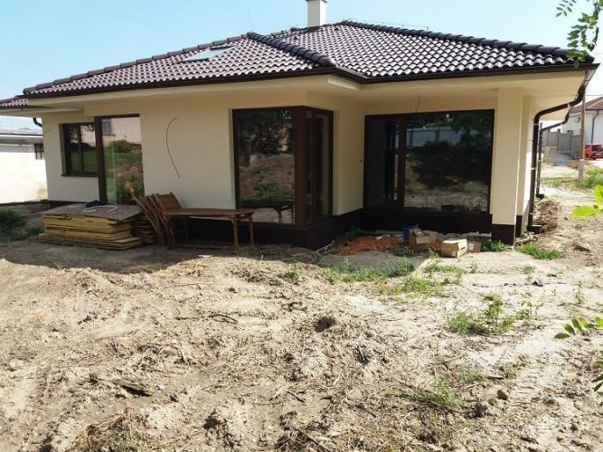 Reality Atypický 4-izbový rodinný dom dreveným interiérovým prekladom v Tomášove