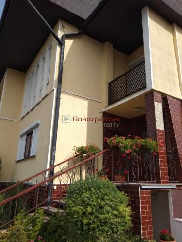 Reality Na predaj pekný 5 izbový rodinný dom v obci Dulovce(011-12-AKA)