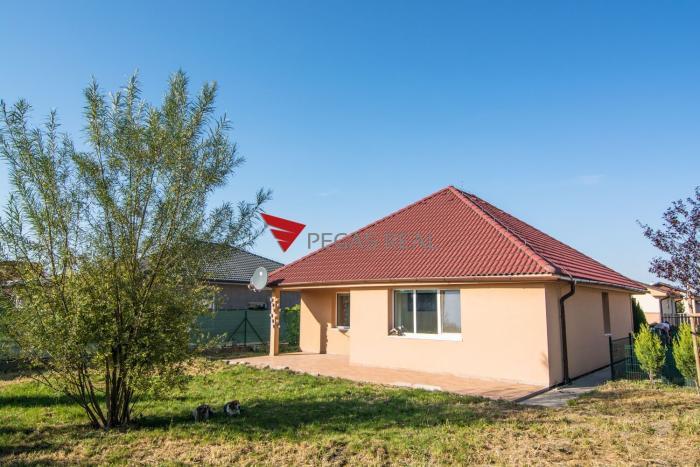 Reality Rodinný dom- bungalov v obci Hviezdoslavov na predaj