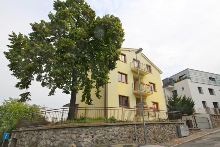 Reality Prenájom modernej vily pod Slavínom na Vlčkovej ulici