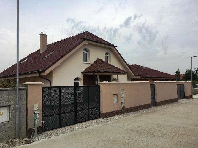 Reality ** RK BOREAL ** Pekná, veľká novostavba rodinného domu