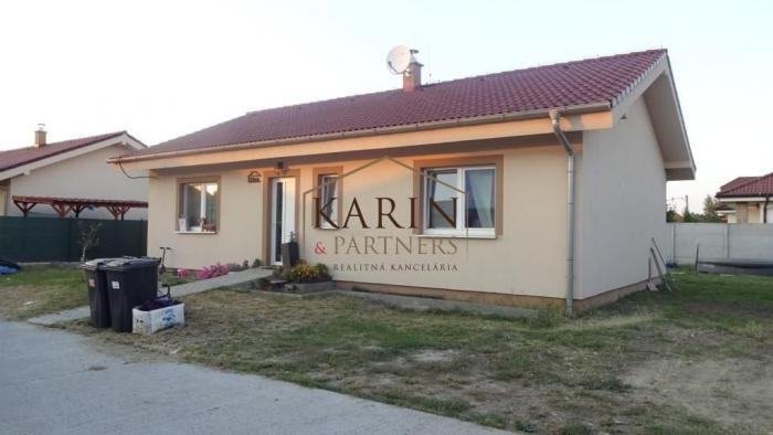 Reality ZNÍŽENÁ CENA !!  novostavba RD typ bungalov, Hviezdoslavov