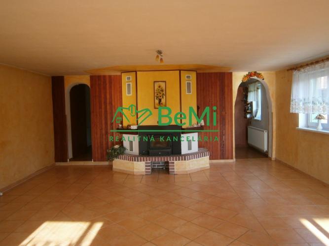 Reality Predáme 4 izbový rodinný dom - Sládkovičovo (113-12-MOS)