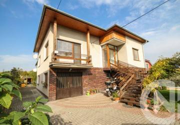 Reality IBA U NÁS!!Na predaj veľký rodinný dvoj dom, Malé Bielice, 2731m2