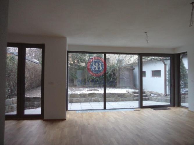 Reality StarBrokers – Prenájom – ½ dvojdomu – 5- izbový moderný rodinný dom v Horskom parku / Ren