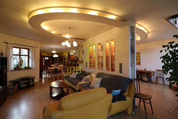 Reality PROVÍZIA SA NEPLATÍ! Pekný 7 izb. rodinný dom s garážou v novostavbe!