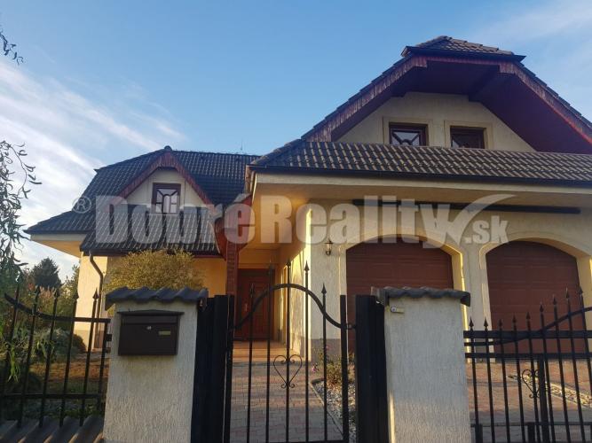 Reality Luxusný rodinný dom na predaj!