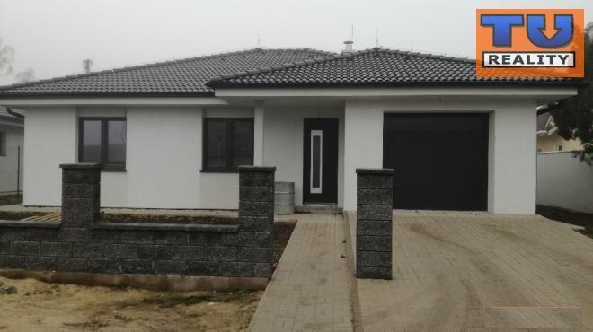 Reality Výborná lokalita! Novostavba! 4 izbový rodinný dom-bungalov, 530m2, garáž, Kaplna okres Senec.