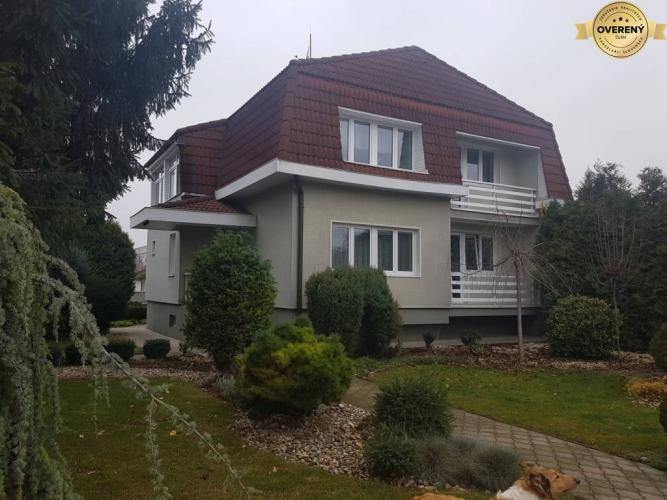 Reality PREDAJ - 6+1 izbový rodinný dom Nitra - Lužianky