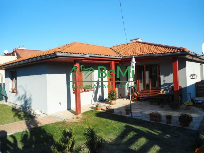 Reality NR - RD Čermáň, kompletne zariadený a vybavený bugalov, 4 izby, kuchyňa, kúpeľňa, terasa, v