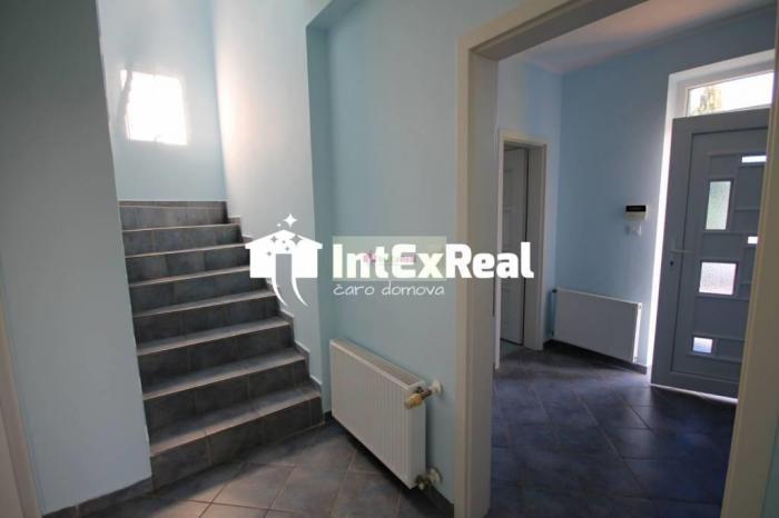 Reality Na prenájom 5 izbový rodinný dom, Galanta