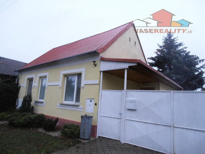 Reality Rodinný dom 3+1, garáž, záhrada, pozemok 668 m2, Ostrov - Malé Orvište
