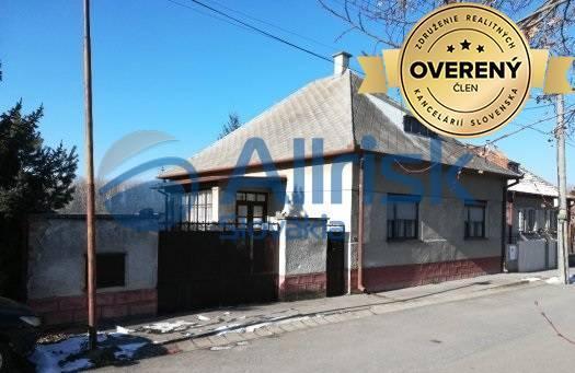 Reality Na predaj rodinný dom v Šintave