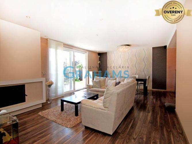 Reality GRAHAMS - PREDAJ, 6 izbový rodinný dom s garážou, Malinovo
