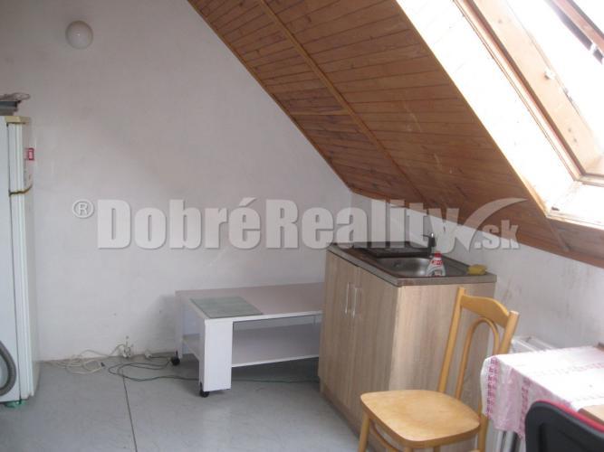 Reality EXKLUZÍVNE - Ponúkame na prenájom 3 izbový byt v RD - Kanianka.
