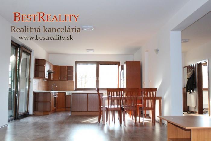 Reality 7 izbový Rodinný dom na prenájom, 220 m2, 2x balkón, terasa, klíma, Lamač - ul. Segnáre www.b