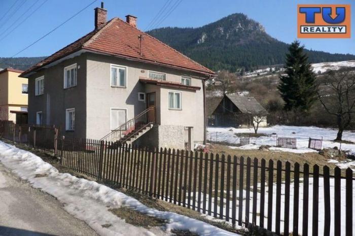 Reality EXKLUZÍVNE! 2-podlažný RD s nádherným pozemkom 1394m2, v obci Val. Dubová. CENA: 62 990,00 EUR