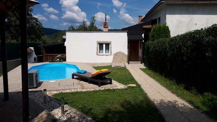 Reality RD+garáž+bazén- trvalé bývanie/rekreačné využitie len 5 min od centra mesta