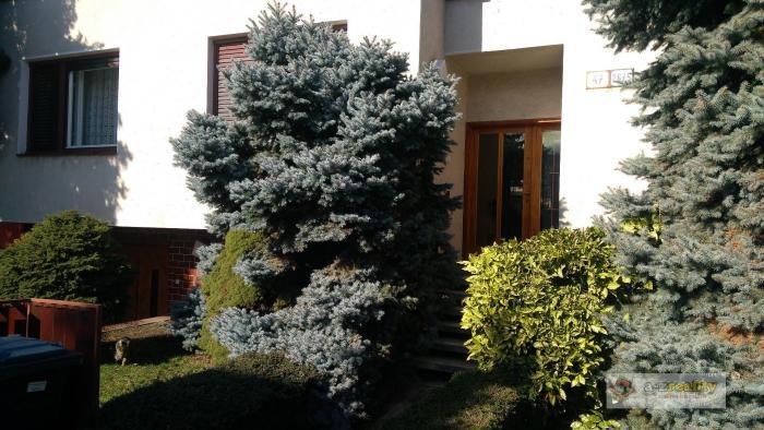 Reality 2801 Ponúkame na predaj rodinný dom neďaleko Berku v Nových Zámkoch
