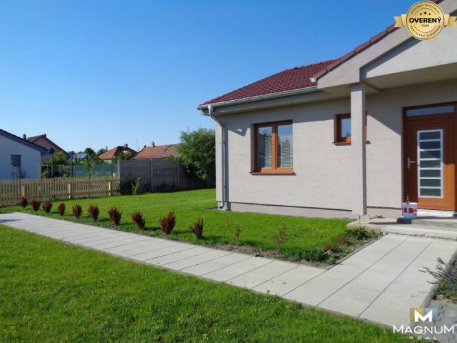 Reality Rent of nice, fully furnished 3 bedrooms house, 2 x parking