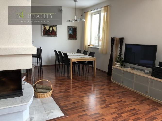 Reality Novostavba 5 izbového rodinného domu na prenájom, 494 m2, dvojgaráž, Soblahov