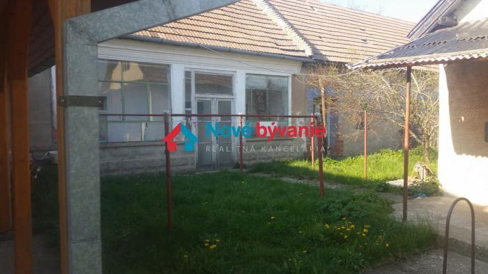 b667ad4fe Reality PREDAJ 5 IZB RD TEKOVSKE LUZANY, 2257 M2 POZEMOK, 006-12-