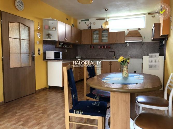 Reality Predaj, rodinný dom Uzovský Šalgov, Dom v cene bytu s investičnou priležitoštou