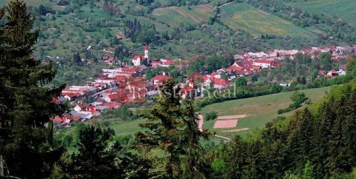 Reality Hľadám pre klienta RODINNÝ DOM s POZEMKOM, 2.000 m2, Ľubietová