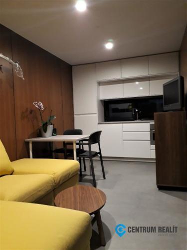 Reality Netradičný 1-izbový domček so spacím kútom
