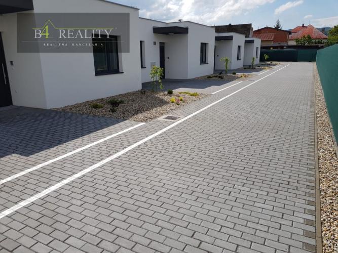 Reality Skolaudovaný 3i rodinný dom + pozemok 241 m2, 2x parkovacie státie, Trenčín / Zlatovce