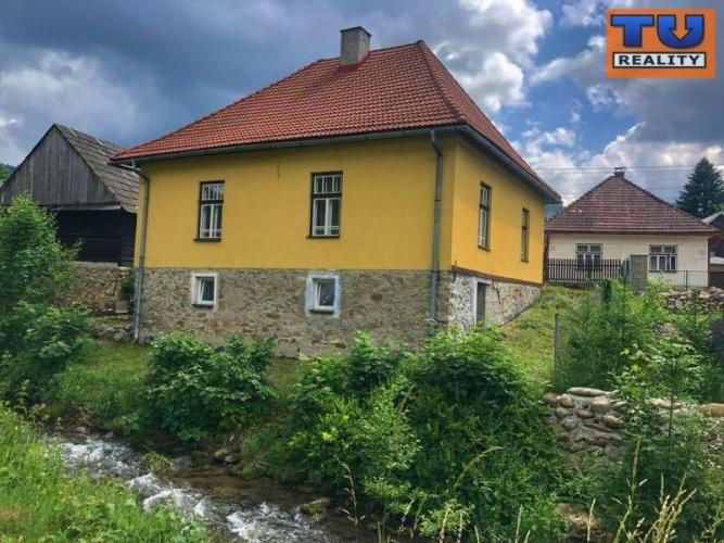 Reality Na predaj rodinný dom a drevenica /392m2/ s výnimočnou históriou v Liptovskej Lúžnej. CENA: 67