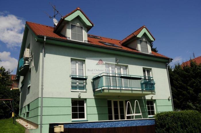 Reality PEKNÝ RODINNÝ DOM NA KRAMÁROCH na prenájom v Bratislave III.- Nové mesto