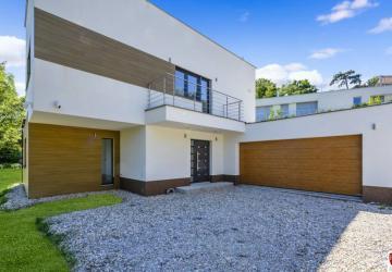 Reality Luxusná 4 izb. vila pod Slavínom, 420m2 +1.000m2 pozemok, 2 garáž,BAI.