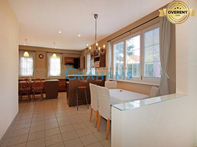 Reality GRAHAMS - PRENÁJOM 5 izb priestranný 220m2 dom v obci Rusovce