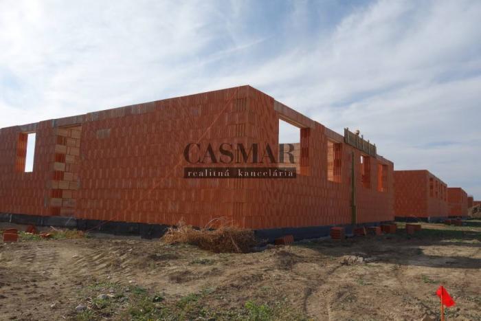 Reality CASMAR RK – štýlová a kvalitná novostavba RD bungalov, Cífer