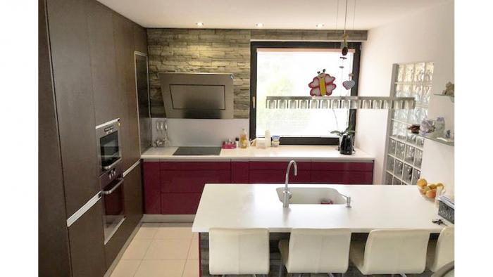 Reality 4 izbový rodinný dom s bazénom a vínnou pivnicou, Senec, Family Park