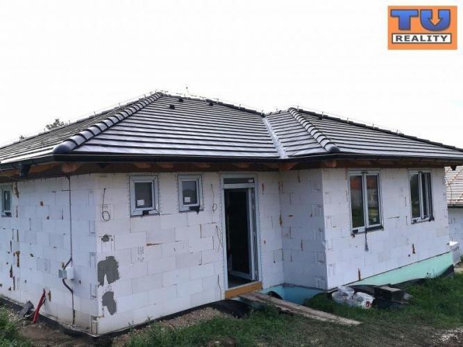 Reality EXKLUZÍVNA PONUKA ! MOJMÍROVCE novostavby 4i rodinných domov v novej štvrti, výborná lokalita,