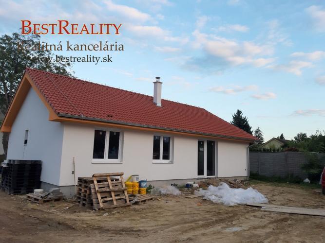 Reality Rodinný dom na predaj NOVOSTAVBA, Pôvodná časť obce, tepelné čerpadlo Bernolákovo www.bestre