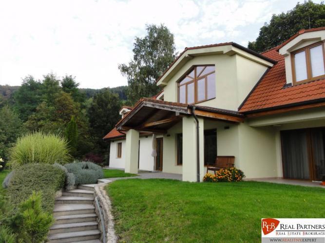 Reality REB.sk Borinka luxusná vila pod lesom na predaj UP 459 m2