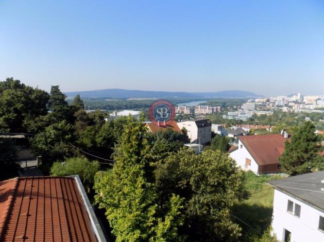 Reality Rodinný dom - novostavba, lokalita Bôrik, Hrebendova ul. jedinečný výhľad, bazén