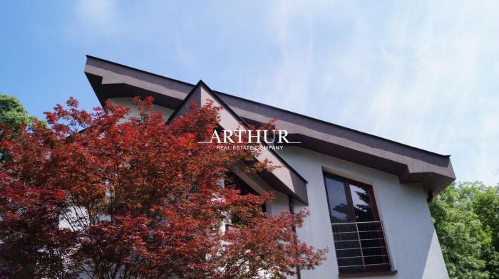 Reality ARTHUR - Osobitý vysokokvalitný 5izb. RD, pozemok 600m2, ÚP 300m2, BA I., Staré Mesto