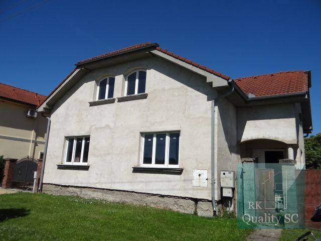 Reality Okr.SENEC - NOVÁ DEDINKA – NA PREDAJ rozostavaný 4 izbový rodinný dom  v centre Novej Dedinky