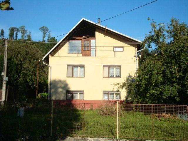 Reality Dvojpodlažný RD s 2 samost. bytovými jednotkami v Michalovej