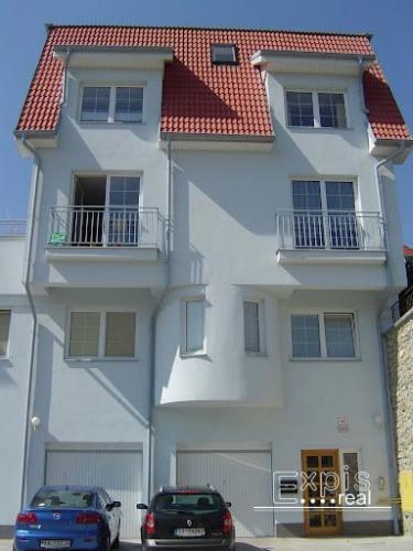 Reality PRENÁJOM Slnečný apartmán v RD v rezidenčnej časti mesta - v Horskom Parku