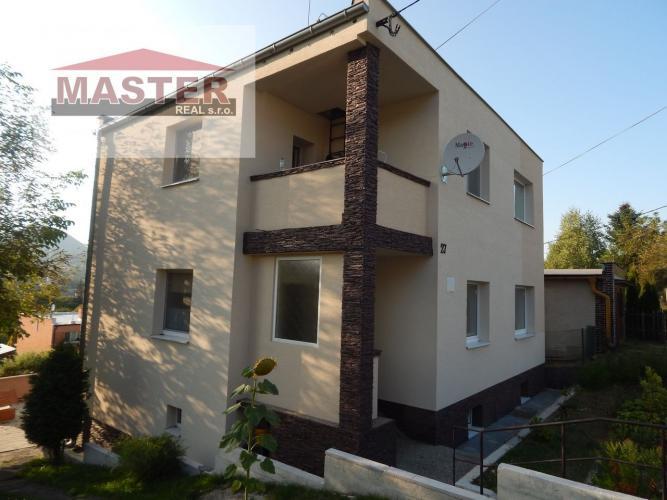 Reality Na predaj 6-izbový rodinný dom 877 m2, Handlová, okres Prievidza